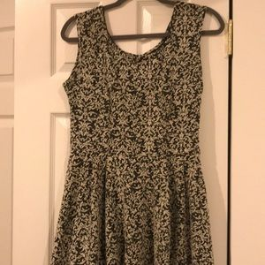Black & Cream Flow Dress